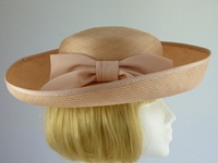 Jacques Vert Ascot hat Creamy Nectarine